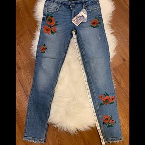 ✨Host Pick✨Zara jeans floral embroidery